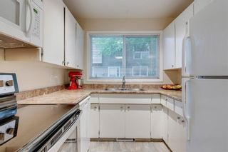 Photo 11: 58 11407 BRANIFF Road SW in Calgary: Braeside Row/Townhouse for sale : MLS®# C4271135