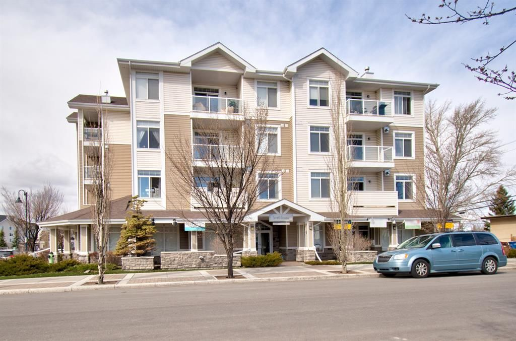 Main Photo: 304 132 1 Avenue NW: Airdrie Apartment for sale : MLS®# A1130474