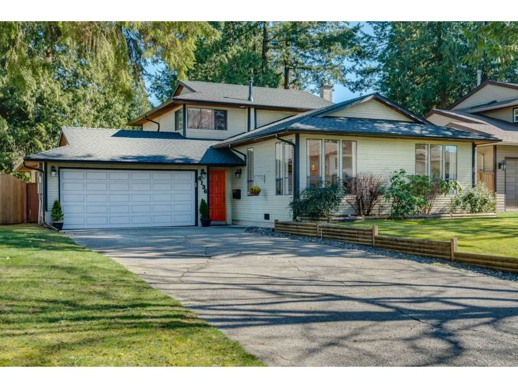 """Main Photo: 6136 129A Street in Surrey: Panorama Ridge House for sale in """"Panorama Park"""" : MLS®# R2351139"""