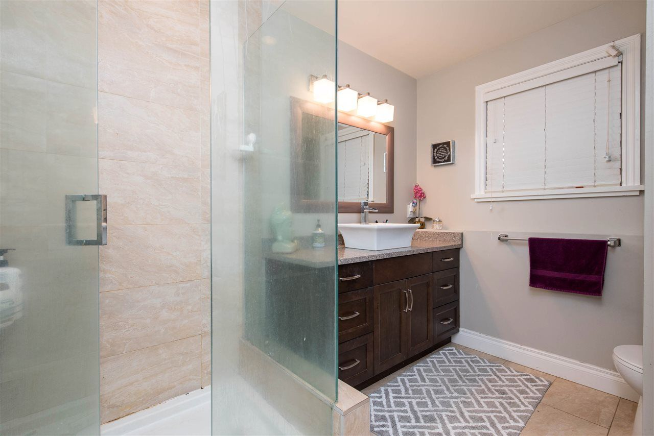 Photo 32: Photos: 2584 SUNNYSIDE Crescent in Abbotsford: Abbotsford West House for sale : MLS®# R2551772