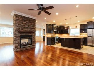 Photo 5: 972 Gade Rd in VICTORIA: La Bear Mountain House for sale (Langford)  : MLS®# 723261