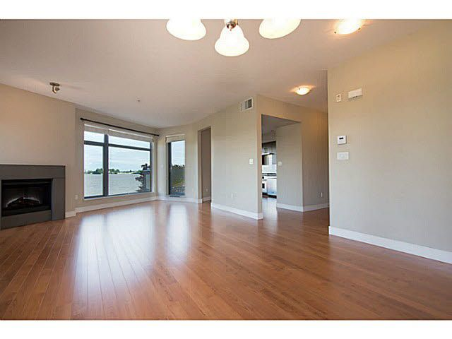 """Photo 4: Photos: 304 14300 RIVERPORT Way in Richmond: East Richmond Condo for sale in """"Waterstone Pier"""" : MLS®# V1098515"""