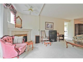 """Photo 4: 303 1705 MARTIN Drive in Surrey: Sunnyside Park Surrey Condo for sale in """"SOUTHWYND"""" (South Surrey White Rock)  : MLS®# F1420126"""