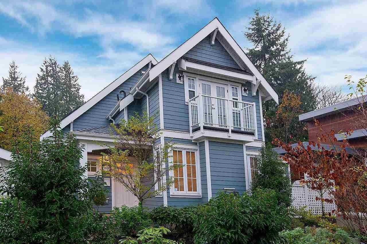 "Main Photo: 2029 ESQUIMALT Avenue in West Vancouver: Ambleside 1/2 Duplex for sale in ""Hollyburn Mews"" : MLS®# R2618342"