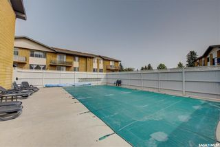 Photo 1: 94 3 Columbia Drive in Saskatoon: River Heights SA Residential for sale : MLS®# SK863725