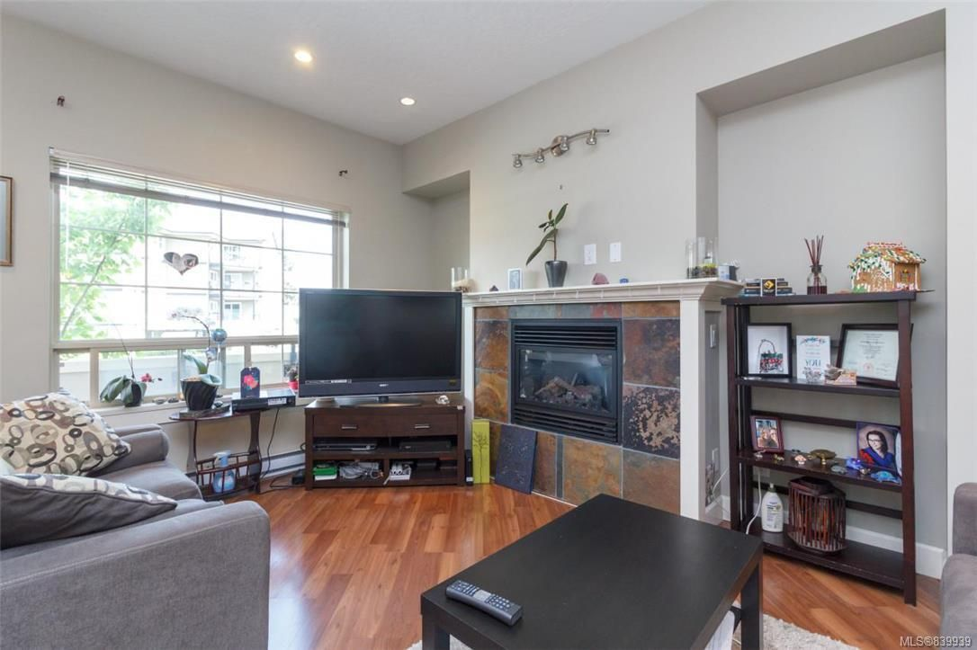 Photo 3: Photos: 205 785 Station Ave in Langford: La Langford Proper Row/Townhouse for sale : MLS®# 839939