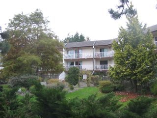 """Photo 12: 204 12890 17TH Avenue in Surrey: Crescent Bch Ocean Pk. Condo for sale in """"OCEAN PARK PLACE"""" (South Surrey White Rock)  : MLS®# F1003860"""