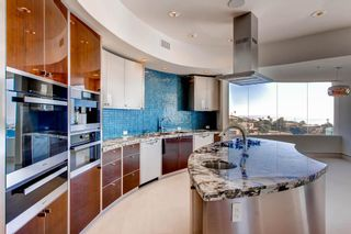 Photo 13: Residential for sale : 5 bedrooms :  in La Jolla