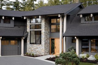 Photo 2: 2216 Riviera Pl in : La Bear Mountain House for sale (Langford)  : MLS®# 867158