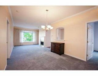 """Photo 10: 215 3098 GUILDFORD Way in Coquitlam: North Coquitlam Condo for sale in """"MALBOROUGH HOUSE"""" : MLS®# V946258"""
