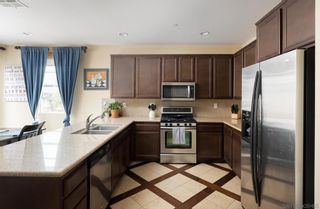 Photo 6: SANTEE Townhouse for sale : 3 bedrooms : 9935 Leavesly Trl