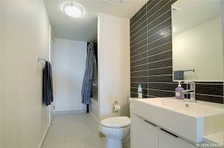 Photo 4: 5 Hanna Ave Unit #405 in Toronto: Niagara Condo for sale (Toronto C01)  : MLS®# C3572052