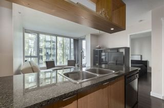 Photo 8: 1205 1010 RICHARDS STREET in Vancouver West: Yaletown Home for sale ()  : MLS®# R2307121