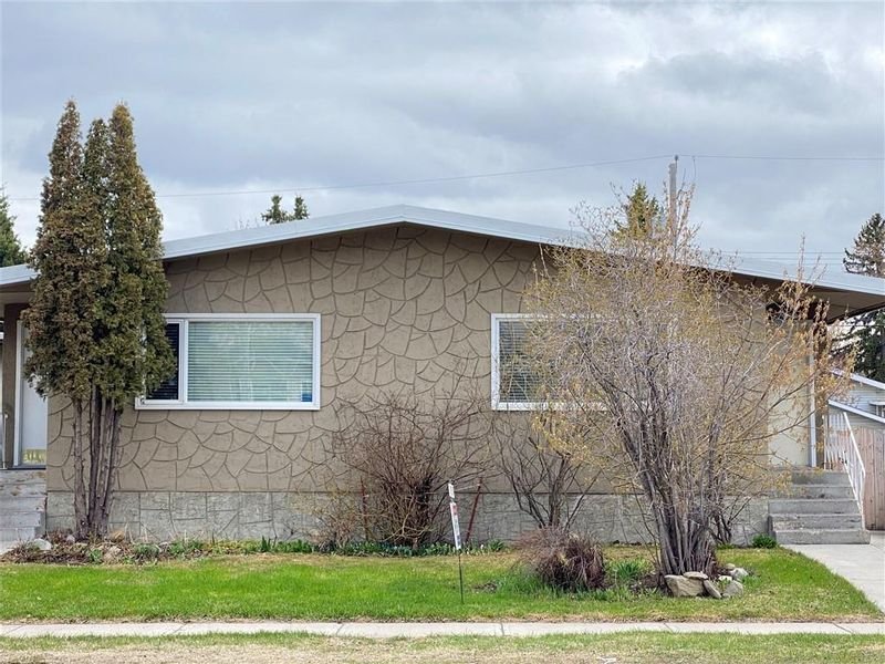 FEATURED LISTING: 2039 50 Avenue Southwest Calgary