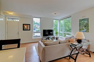 "Photo 4: 124 735 W 15TH Street in North Vancouver: Hamilton Townhouse for sale in ""Seven35"" : MLS®# R2305774"
