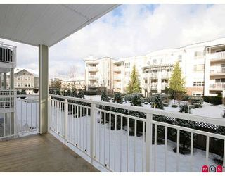 """Photo 10: 205 20189 54TH Avenue in Langley: Langley City Condo for sale in """"CATALINA GARDENS"""" : MLS®# F2900010"""