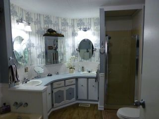 """Photo 15: 31 2305 200 Street in Langley: Brookswood Langley Manufactured Home for sale in """"Cedar Lane"""" : MLS®# R2223523"""