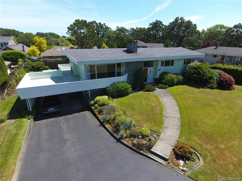 FEATURED LISTING: 3005 Devon Rd Oak Bay