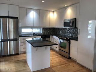 Photo 5: 10174 143 Street in Edmonton: Zone 21 Townhouse for sale : MLS®# E4208068