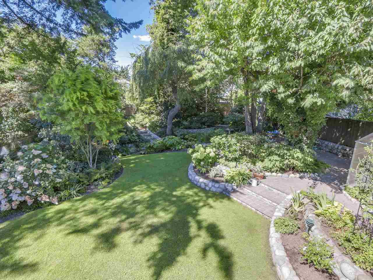 Photo 8: Photos: 587 HARRISON Avenue in Coquitlam: Coquitlam West House for sale : MLS®# R2097877