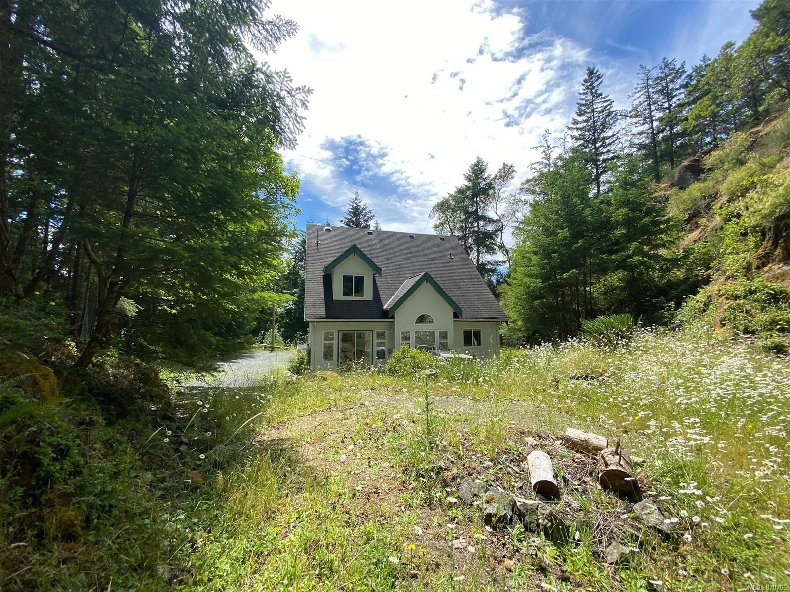 Main Photo: 3463 Yorkshire Pl in : La Humpback House for sale (Langford)  : MLS®# 878766
