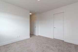 Photo 11: 31 350 Latoria Blvd in : Co Royal Bay Row/Townhouse for sale (Colwood)  : MLS®# 867173