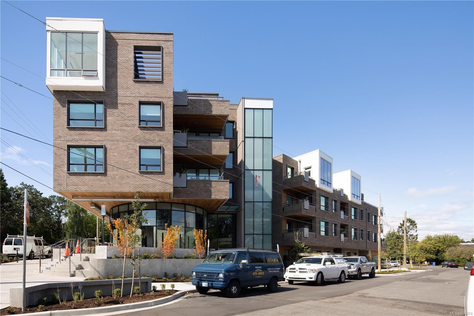 Photo 1: Photos: 309 2285 Bowker Ave in : OB North Oak Bay Condo for sale (Oak Bay)  : MLS®# 850474