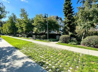 """Photo 2: 405 7478 BYRNEPARK Walk in Burnaby: South Slope Condo for sale in """"GREEN"""" (Burnaby South)  : MLS®# R2615130"""