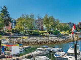 """Photo 49: 307 1502 ISLAND PARK Walk in Vancouver: False Creek Condo for sale in """"The Lagoons"""" (Vancouver West)  : MLS®# R2606940"""