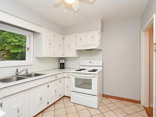 Photo 9: 2309 RUPERT Street in Vancouver: Renfrew VE House for sale (Vancouver East)  : MLS®# R2398091