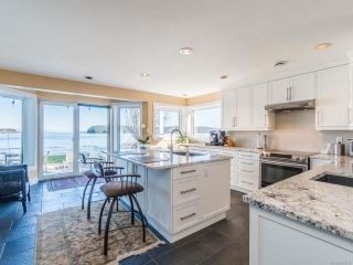 Photo 14: 2600 Randle Rd in : Na Departure Bay House for sale (Nanaimo)  : MLS®# 863517