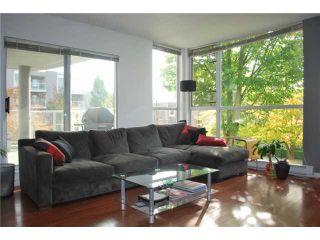 "Photo 3: 212 8460 JELLICOE Street in Vancouver: Fraserview VE Condo for sale in ""THE BOARDWALK"" (Vancouver East)  : MLS®# V854806"