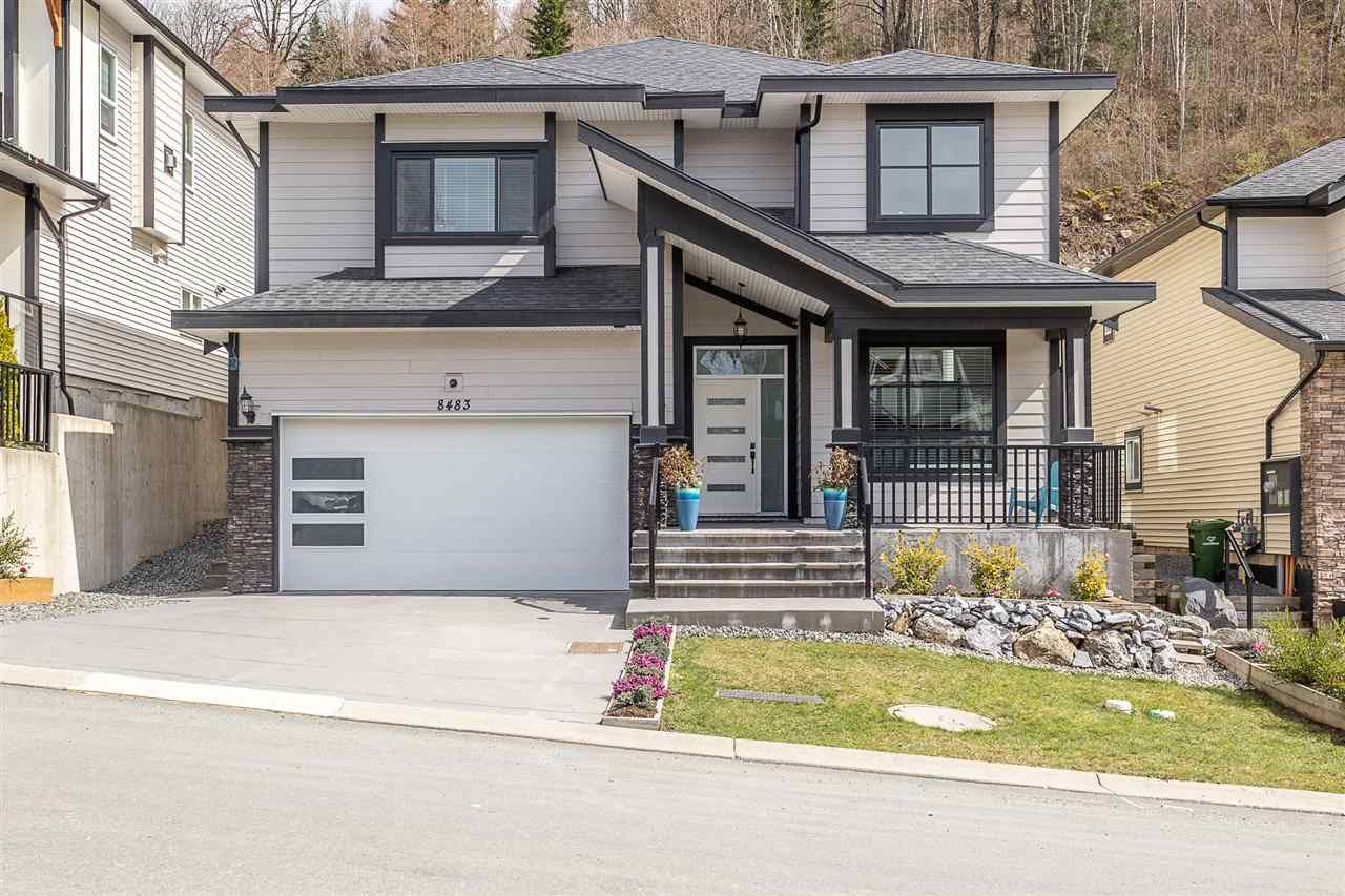 Main Photo: 8483 FOREST GATE Drive in Chilliwack: Eastern Hillsides House for sale : MLS®# R2559340