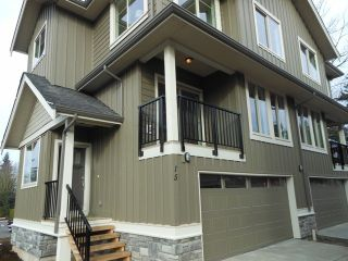 """Photo 1: 15 3266 147TH Street in Surrey: Elgin Chantrell Townhouse for sale in """"ELGIN OAKS"""" (South Surrey White Rock)  : MLS®# F1220619"""
