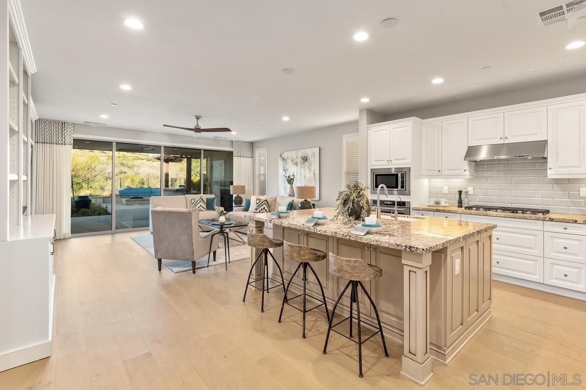 Photo 3: Photos: RANCHO BERNARDO House for sale : 3 bedrooms : 8012 Auberge Circle in San Diego