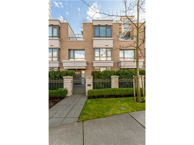 Main Photo: # 3 7575 ALDERBRIDGE WY in Richmond: Brighouse Townhouse for sale : MLS®# V1048052