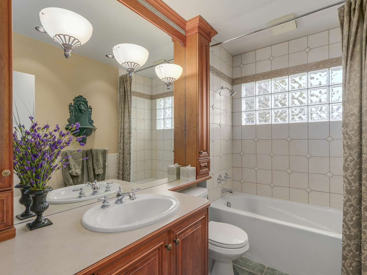 Photo 12: Photos: 587 HARRISON Avenue in Coquitlam: Coquitlam West House for sale : MLS®# R2097877