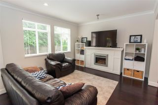 "Photo 2: 39 2925 KING GEORGE Boulevard in Surrey: King George Corridor Townhouse for sale in ""KEYSTONE"" (South Surrey White Rock)  : MLS®# R2499142"