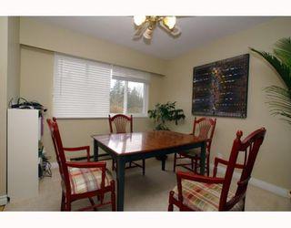 Photo 2: 40251 KALODON Road in Squamish: Garibaldi Estates House for sale : MLS®# V769683
