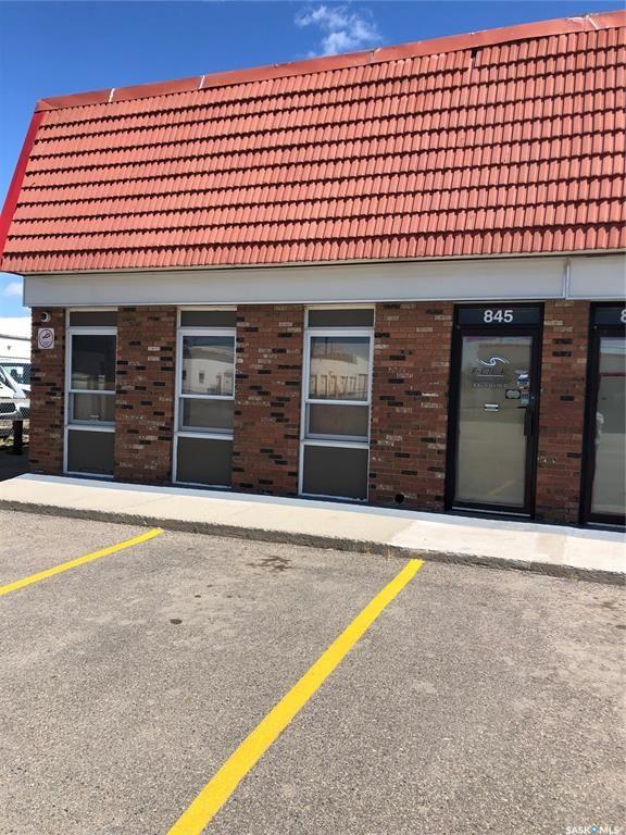 Main Photo: 845 Mackay Street in Regina: Eastview RG Commercial for lease : MLS®# SK867215