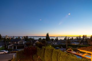 Photo 2: 2277 LAWSON Avenue in West Vancouver: Dundarave House for sale : MLS®# R2618791