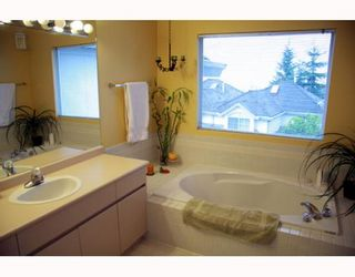 """Photo 9: 38 2990 PANORAMA Drive in Coquitlam: Westwood Plateau Townhouse for sale in """"WESBROOK VILLAGE"""" : MLS®# V768307"""