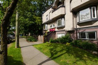 """Photo 2: 2312 VINE Street in Vancouver: Kitsilano Townhouse for sale in """"7TH & VINE"""" (Vancouver West)  : MLS®# R2377630"""