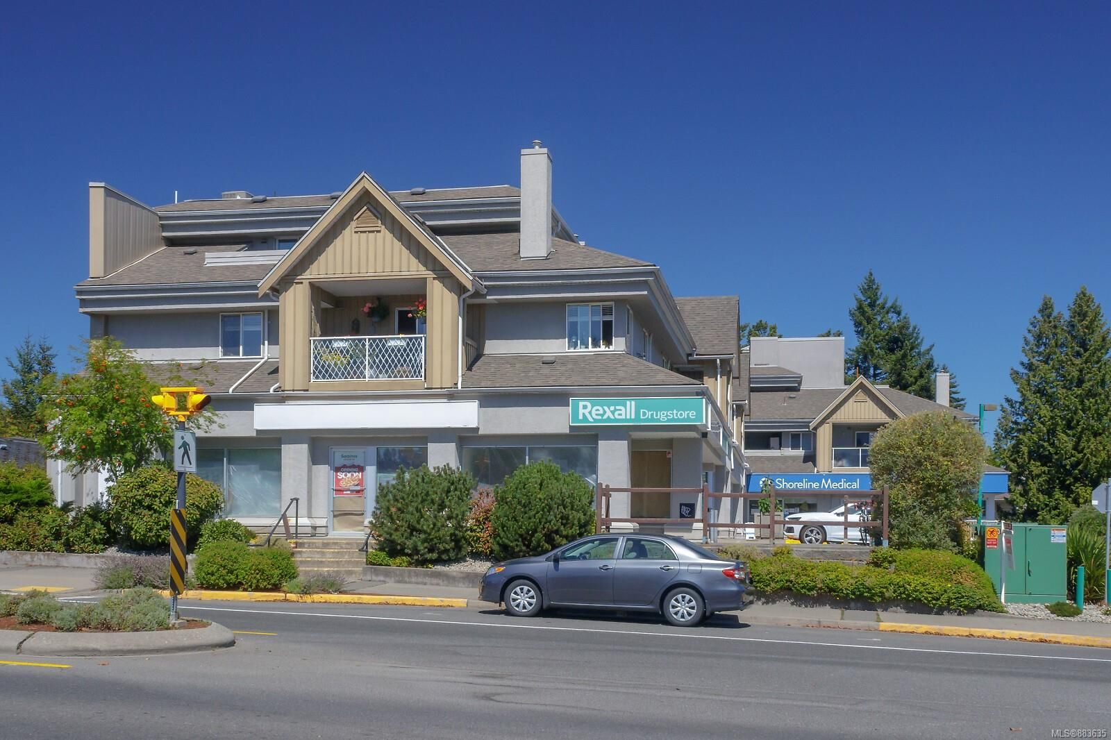 Main Photo: 205 7143 West Saanich Rd in : CS Brentwood Bay Condo for sale (Central Saanich)  : MLS®# 883635