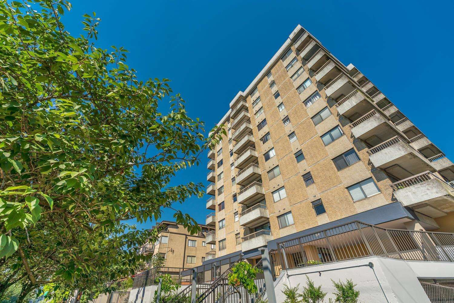 """Main Photo: 702 209 CARNARVON Street in New Westminster: Downtown NW Condo for sale in """"ARGYLE HOUSE"""" : MLS®# R2597517"""