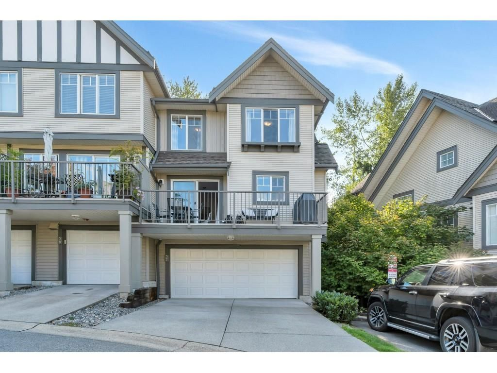 """Main Photo: 37 20038 70 Avenue in Langley: Willoughby Heights Townhouse for sale in """"Daybreak"""" : MLS®# R2616047"""