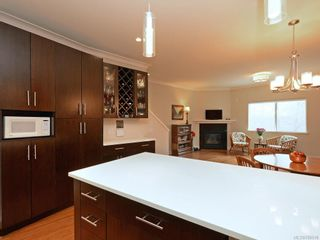 Photo 3: 7 2321 Island View Rd in Central Saanich: CS Island View Row/Townhouse for sale : MLS®# 780518