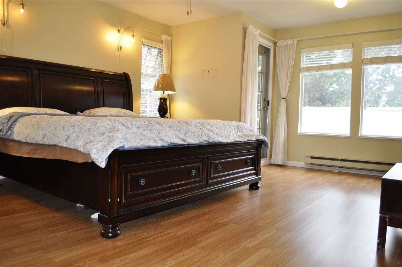 "Photo 13: Photos: 11056 SOUTHRIDGE Road in Delta: Sunshine Hills Woods House for sale in ""Sunshine Hills Woods"" (N. Delta)  : MLS®# R2201766"