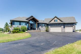 Main Photo: 40040 299 Avenue E: Rural Foothills County Detached for sale : MLS®# A1125868