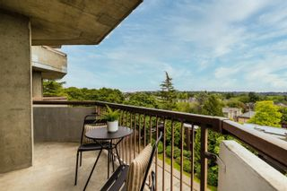 """Photo 14: 705 2445 W 3 Avenue in Vancouver: Kitsilano Condo for sale in """"Carriage House"""" (Vancouver West)  : MLS®# R2602059"""